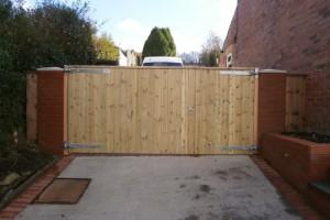 moorings-wooden-gates-fencing